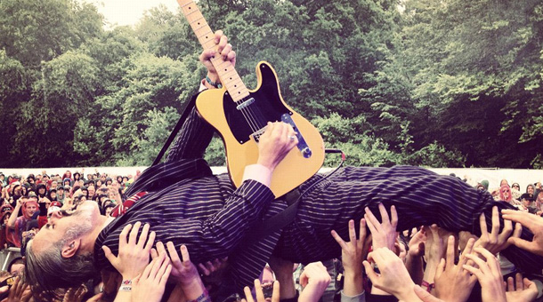 Triggerfinger crowd surfing.jpg